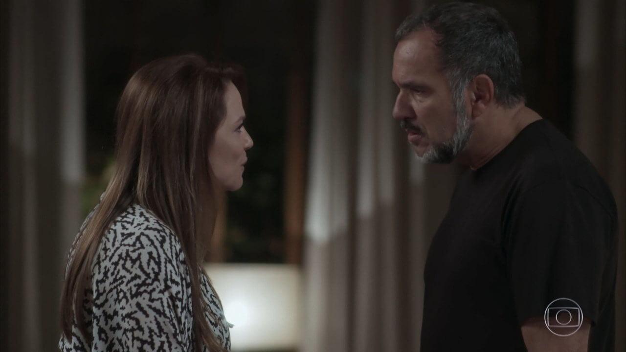 Lili (Vivianne Pasmanter) e Germano (Humberto Martins) em Totalmente Demais (Foto: Reprodução)