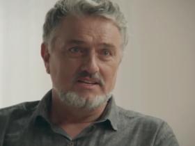 Guido (Werner Schünemann) terá mistério revelado em Haja Coração; pai de Tancinha (Mariana Ximenes) fugiu após ameaças (Foto: Reprodução/Globo)