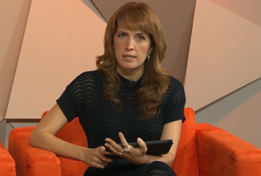 Poliana Abritta no comando do Fantástico; apresentadora rebateu o jogador Robinho (Foto: Reprodução/Globo)