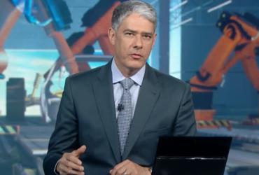 William Bonner no comando do Jornal Nacional, que faturou milhões em minutos (Foto: Reprodução/Globo)